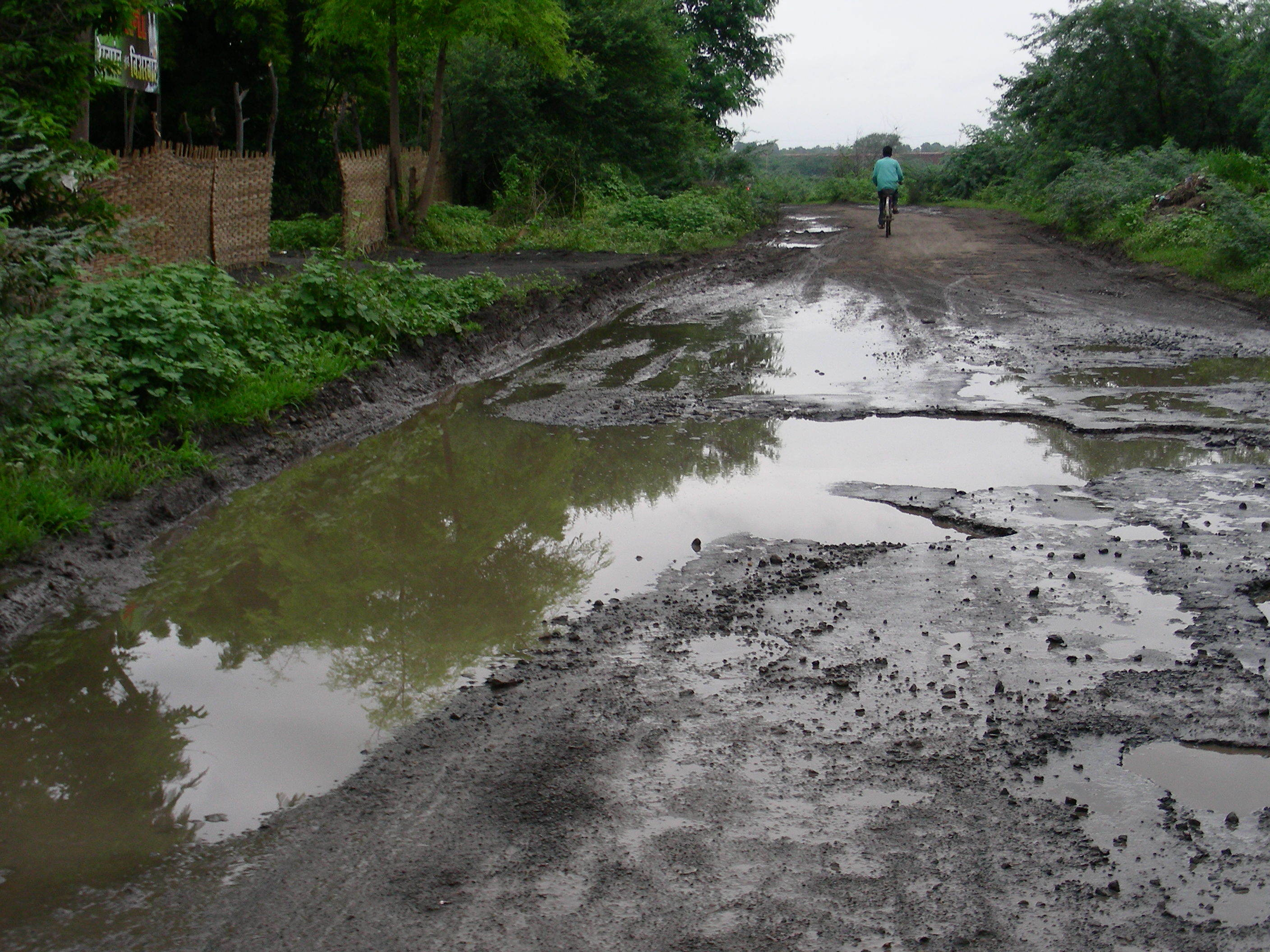poor road condition Naturally, these poor road conditions lead to thousands of accidents each year  when motor vehicle accidents are the result of the negligence.